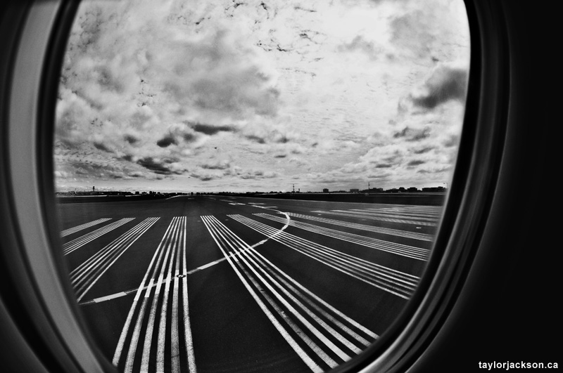 Las Vegas Photography - Taking off at pearson YYZ Toronto
